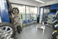 Sala attesa officina auto